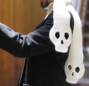 How to: knit a skull scarf :: geek technique