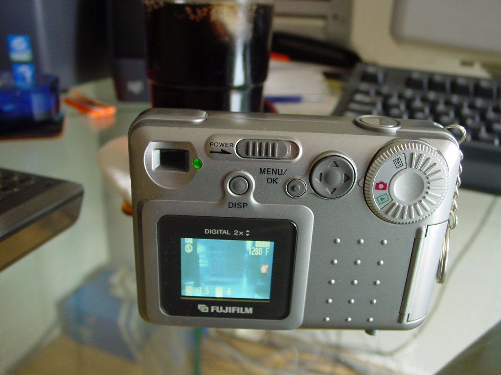 How To Turn A Digital Camera Into An Ir Projects Geek Flash Circuit Cameras Click Enlarge